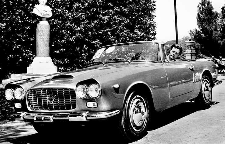 Lancia Flaminia cabriolet avec Marcello Mastroianni