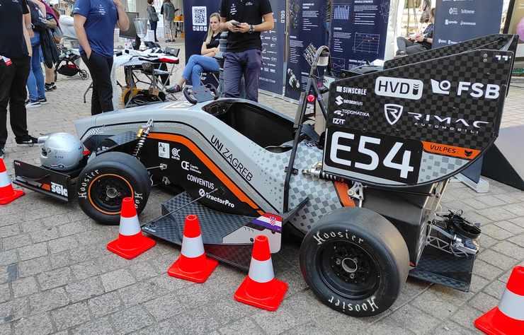 voiture de course électrique de l'université de Zagreb