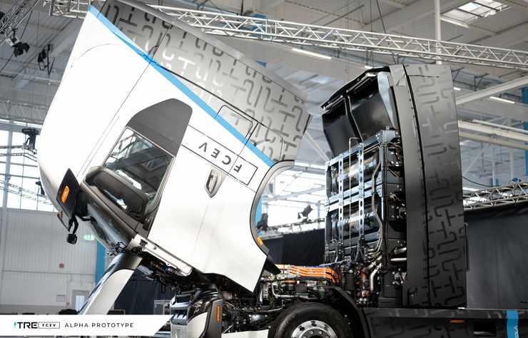 Prototype de poids lourd électrique à pile à hydrogène Nikola Tre construit par Iveco