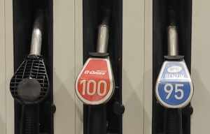L'étape de la fin définitive mondiale de l'essence avec plomb