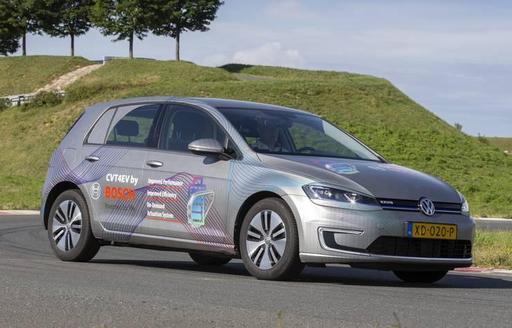 Prototype Bosch voiture électrique CVT4EV avec transmission à variation continue