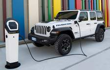 Jeep Wrangler 4xe: vrai 4x4, vrai plug-in