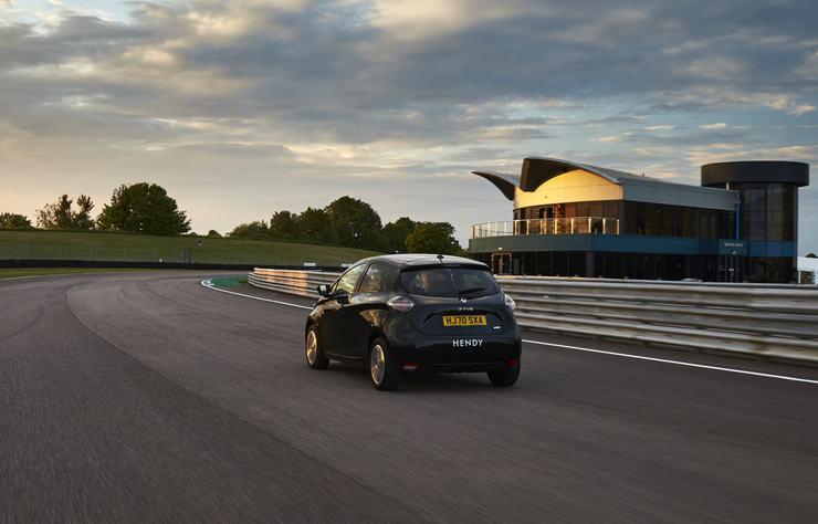 Renault Zoé électrique sur le circuit anglais de Thruxton
