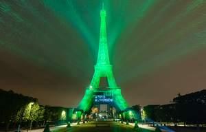 La tour Eiffel en vert, les martiens n'y sont pour rien