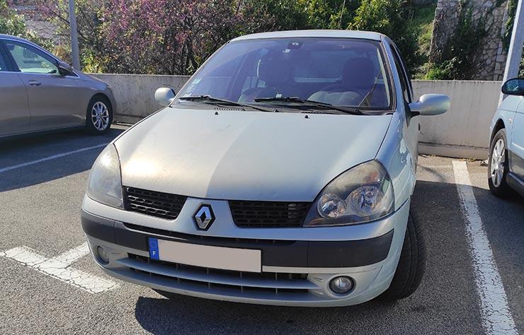 La voiture modifiée par l'inventeur Horace Desmoules