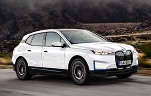 BMW iX, 2modèles à partir de 86250€