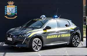 Peugeot e-208: les forces de l'ordre italiennes sont branchées