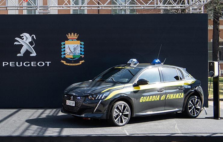 Peugeot e-208 électrique de la Guardia di Finanza italienne