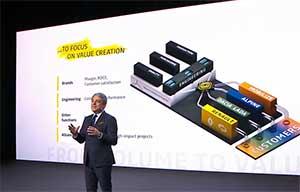 Renault: un nouveau patron qui ne fait pas encore oublier l'ancien