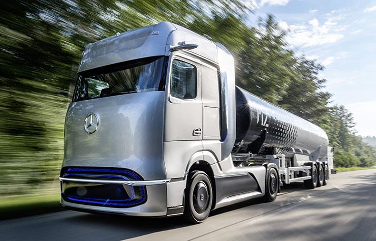 Poids lourd Mercedes GenH2 électrique à hydrogène