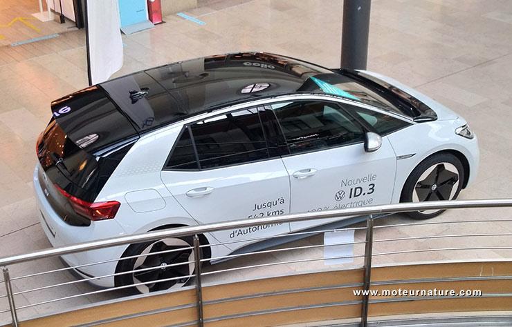 Volkswagen ID.3 électrique au centre commercial Les Quatre Chemins à Vichy