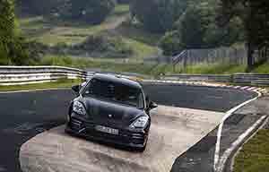 Porsche: l'électrique battra t-il un jour l'essence?