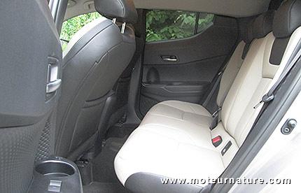 Toyota C-HR hybride 184 ch