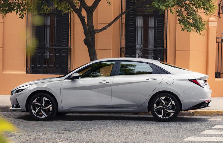 Hyundai Elantra 2021