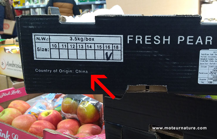 Poires de Chine dans un supermarché en France