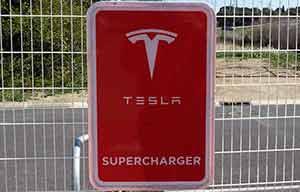Tesla a mis en service un premier supercharger V3 250 kW en Europe