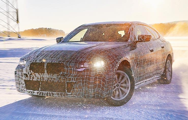 BMW i4 électrique prototype