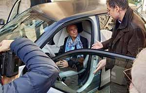 Voiture électrique: Elizabeth Borne en fait-elle trop et EDF aussi?