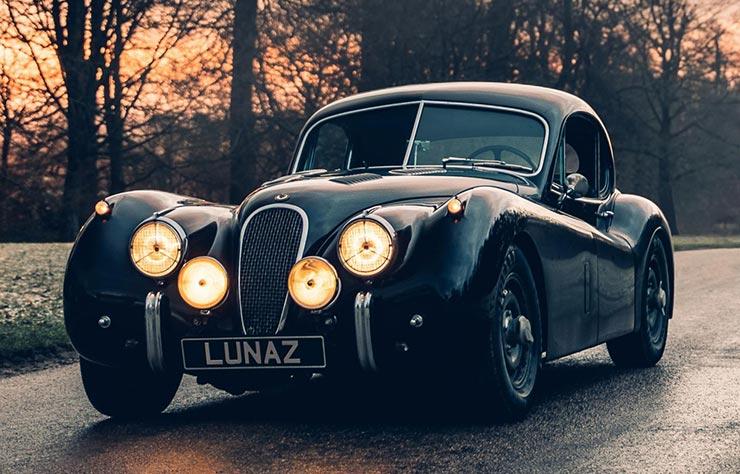 Jaguar XK120 convertie à la propulsion électrique par Lunaz