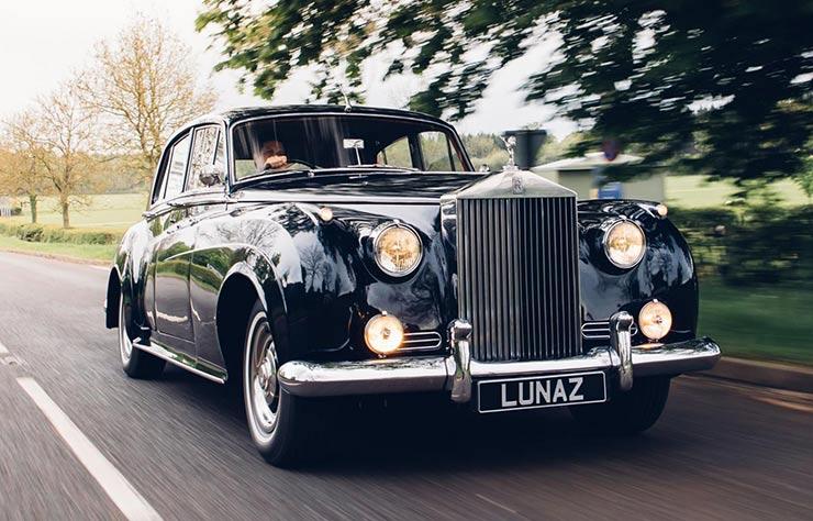 Rolls Royce Phantom V convertie à la propulsion électrique par Lunaz