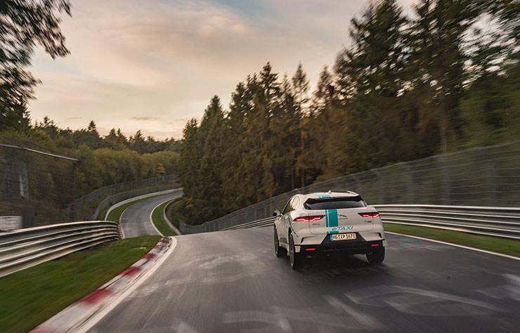 Jaguar I-Pace électrique sur le circuit du Nurburgring