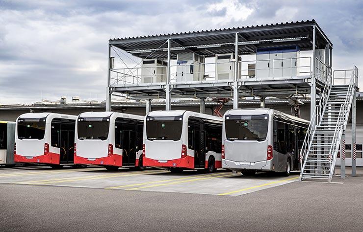 Autobus électrique Mercedes eCitaro à la station de recharge de Mannheim