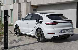 Gadget? Le Porsche Cayenne Turbo S E-Hybrid