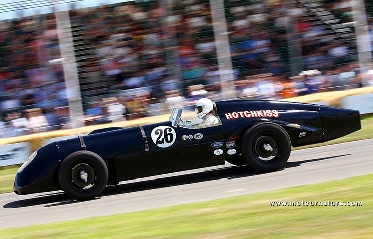 Hotchkiss de course ancienne sur le circuit de Goodwood