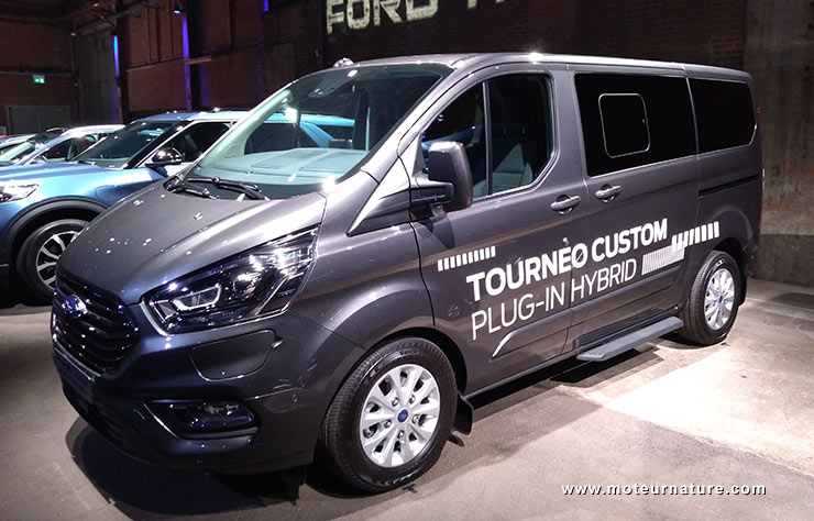 Ford Tourneo hybride rechargeable