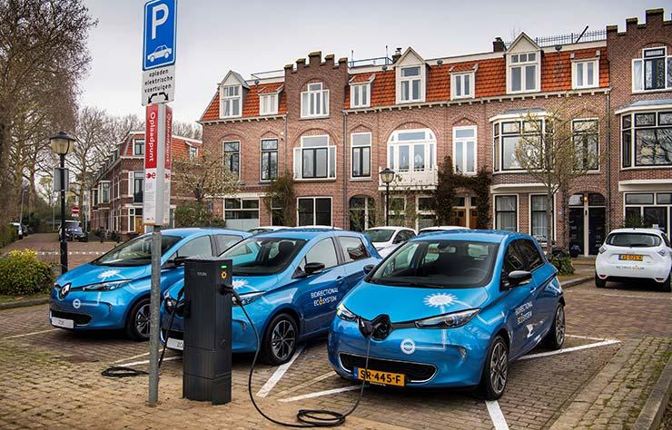 Borne de recharge bidirectionnelle avec des Renault Zoé