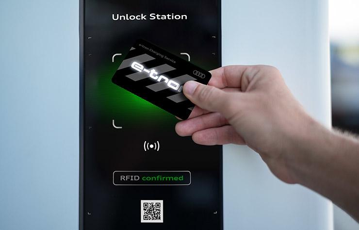 e tron charging services audi peu motivant pour rouler en lectrique. Black Bedroom Furniture Sets. Home Design Ideas