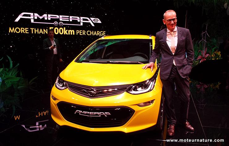 Opel Ampera-E au salon de Paris en 2016