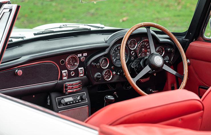 Aston Martin DB6 Volante électrifiée