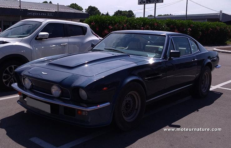 Aston Martin V8 Vantage essence