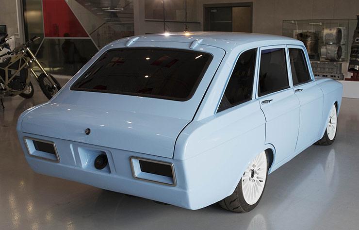 Kalashnikov présente... une voiture électrique !