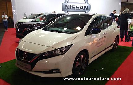 Nissan Leaf au salon de l'auto de Riga