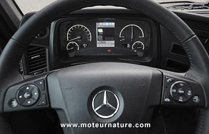 Poids lourd électrique Mercedes eActros