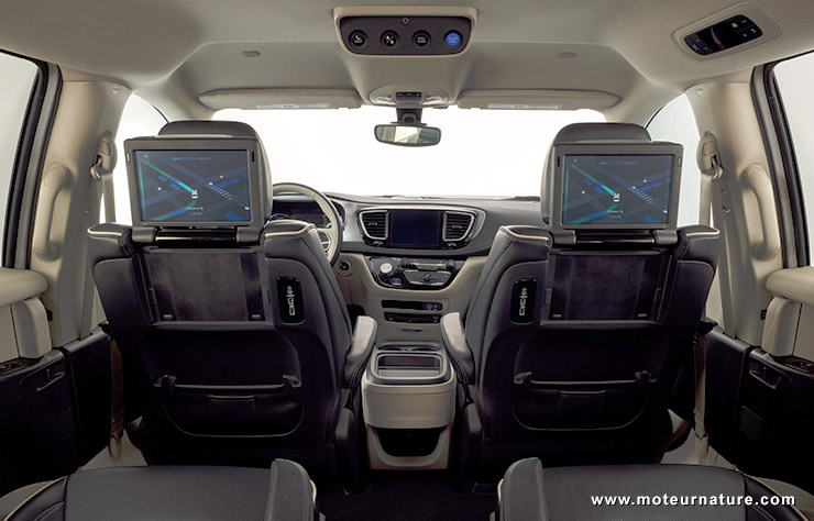 Minivan Chrysler pour Waymo