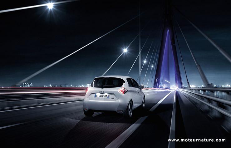 Renault à l'offensive en Europe du Sud — Charge rapide