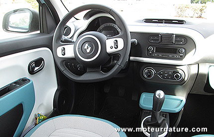 Renault twingo 1 0 sce 70 essai d taill for Twingo 3 interieur