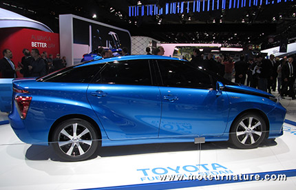 Toyota Mirai à pile à combustible alimentée par de l'hydrogène