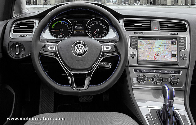Volkswagen e golf essai d taill for Interieur golf