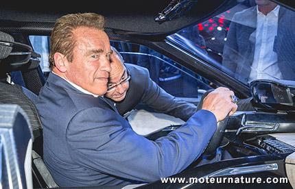 Arnold Schwarzenegger en visite au Mondial