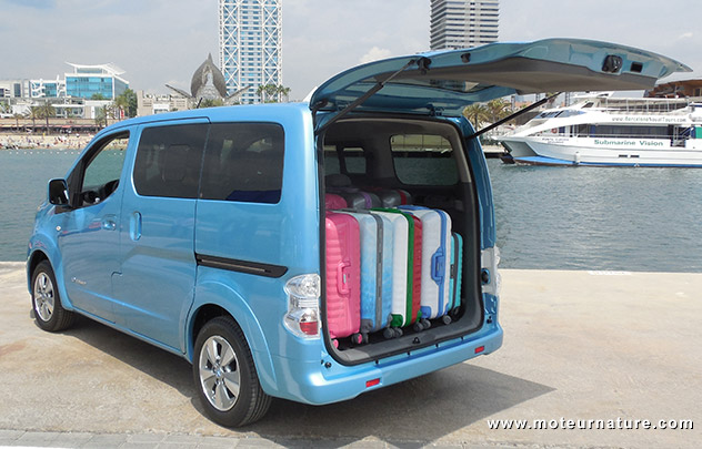 nissan e nv200 evalia essai d taill. Black Bedroom Furniture Sets. Home Design Ideas
