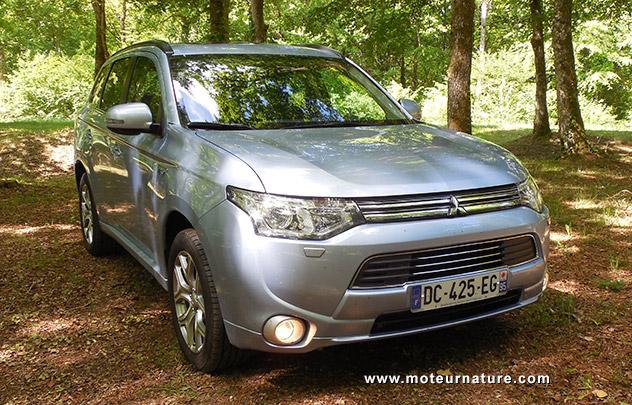 Mitsubishi Outlander PHEV hybride rechargeable