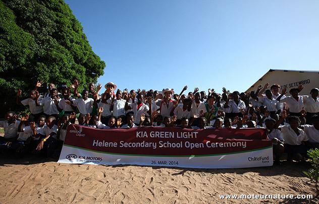 Kia ouvre une école au Mozambique