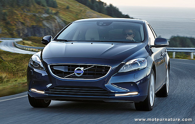 volvo v40 190 ch qui se contentent de 3 3 l 100 km. Black Bedroom Furniture Sets. Home Design Ideas