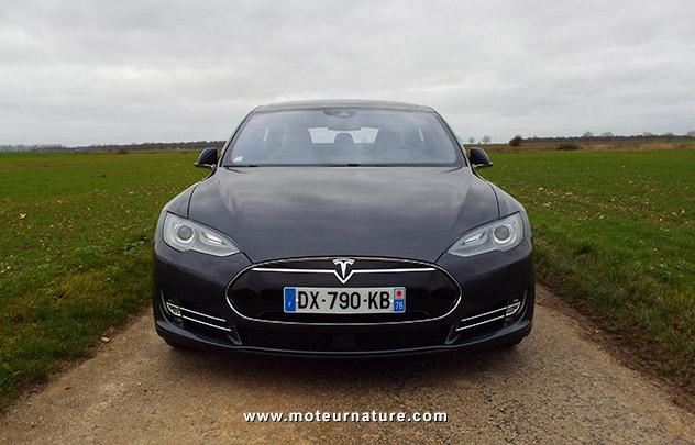 tesla model s p90d essai d taill de la meilleure des lectriques. Black Bedroom Furniture Sets. Home Design Ideas