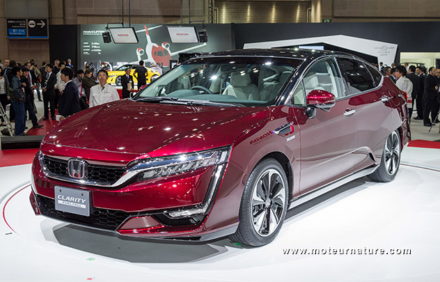 honda fcx clarity une pile combustible ultra compacte. Black Bedroom Furniture Sets. Home Design Ideas