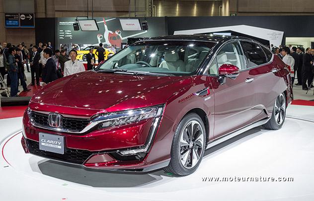 Honda FCX Clarity avec pile à combustible à hydrogène